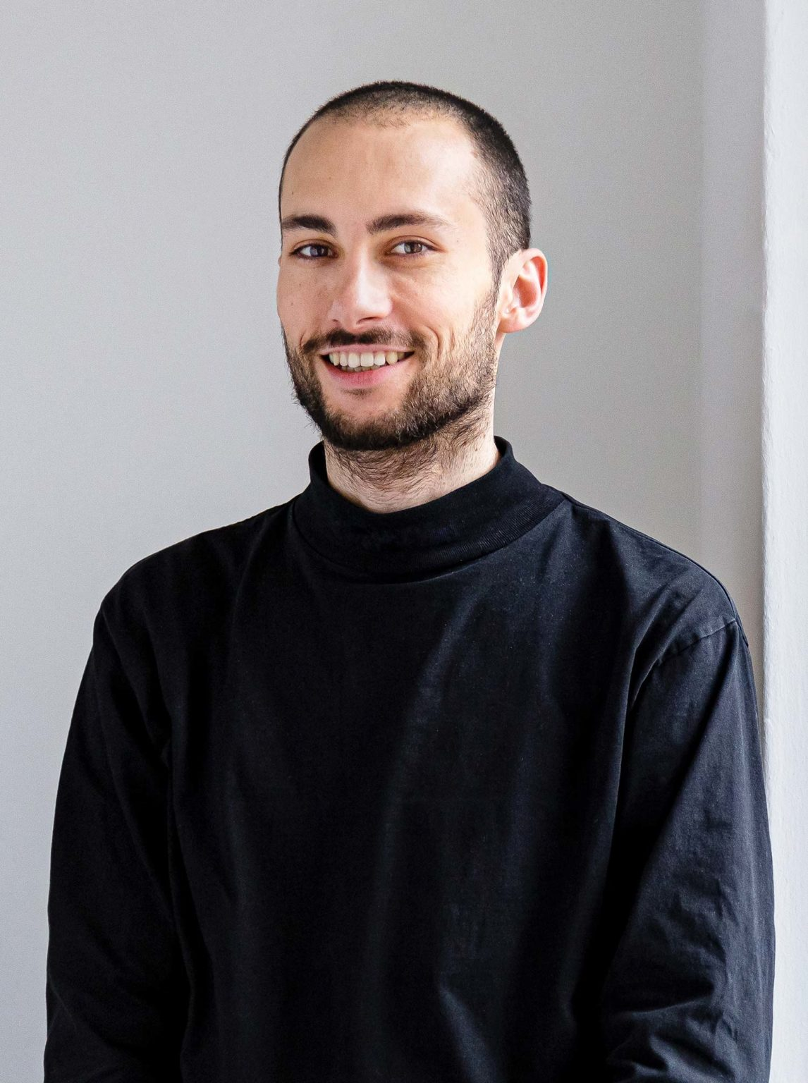 Louis - Graphic & Motion Designer