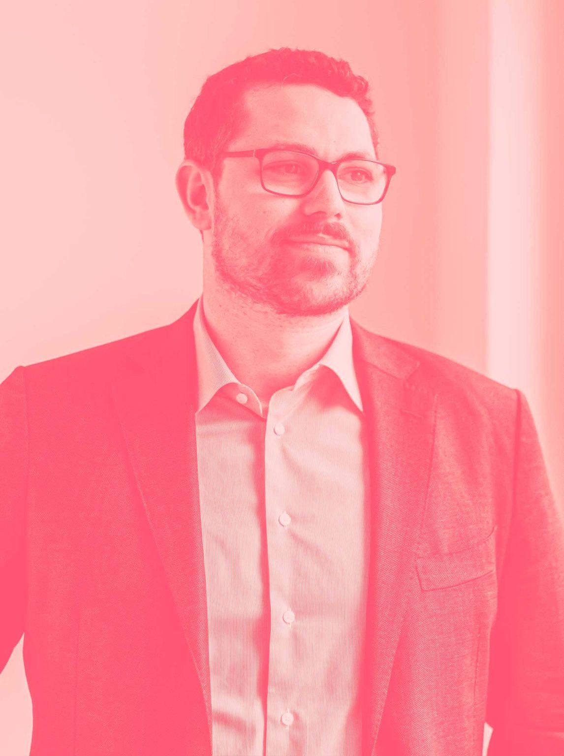 Sebastian - Senior Political Communication Manager